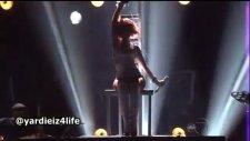 s&m rihanna feat britney spears - billboard music awards 2011