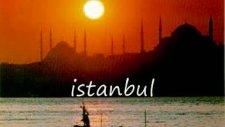 Ah İstanbul İstanbul-Hüsnü Şenlendirici Eşliğinde Harika