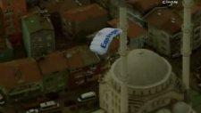 istanbul'un fethi'ni 261 metreden paraşütle atlayarak kutladılar