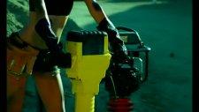 Ciara Ft Missy Elliott - Work