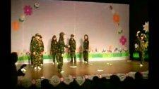Kızlar Askerde