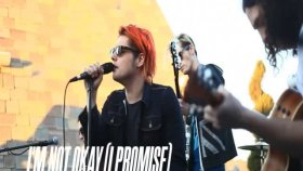 My Chemical Romance- İ'm Not Okay 2011 Live Acoustic