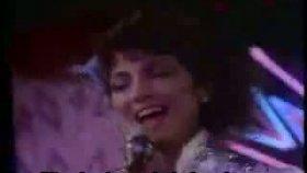 Gloria Estefan - Conga - Türkçe Altyazı