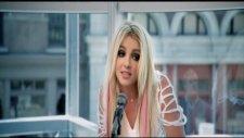 Britney Spears - I Wanna Go 2011
