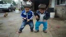 muhteşem ikizlerin dansı