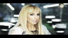 Zeynep Dizdar Uyandırma Yepyeni Orjinal Video Klip 2011