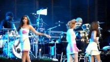 girls aloud biology supporting coldplay viva la vida tour