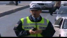 trafik polisinin hareketleri