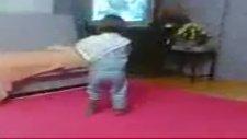 Komik Dans Eden Çocuk