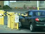kadın araba kullanmak:)