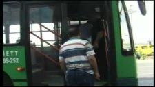 bileti olmayan yolcu tartıştığı iett şoförünün kalçasını kırdı