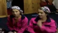 iki kızdan türkülü atışma..