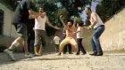 Çakallarla Dans Zilleri Takıp Oynayı Verin Gari