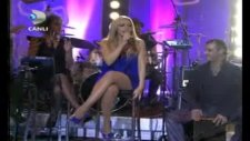 Hadise - A Song For My Mother Canlı Performans