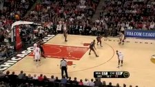 derrick rose killer crossover on dwyane wade and circus shot