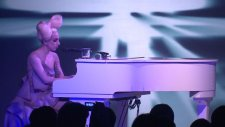 Lady Gaga - Speechless Live At The Vevo Launch Event