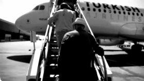 Mazhar Alanson - Hep Yaşın 19 'yeni Video' (Radyo Beyaz)