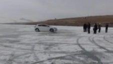 donmuş göl üzerinden 'oto' şov