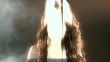 Gamze Akın - Yaktım Orjinal Video Klip 2011