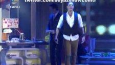 Beyaz Show 17 Şubat Gökhan Keser En Kötü Günümüz Böyle Olsun  2012