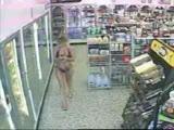 Bikinili Kız Marketin İçine Ediyor:)