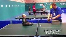Dünyanın En Küçük Masa Tenisi Oyuncusu