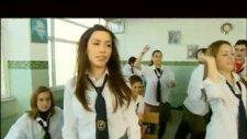Sınıfta Kal (Burcu Güneş)
