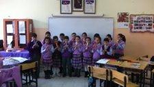 Yenikent İlksan İlköğretim Okulu 3e Sınıfı Fülüt Korosu Mov