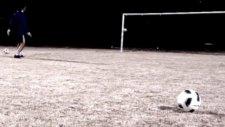 Bu Kaleci Messi'yi Bile Kıskandırır !