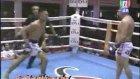 Komik Muay Thai dövüşü