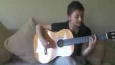 Gitar çalan kız Söndürmüşüz feneri