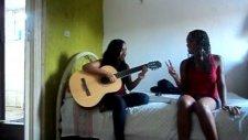 Thays E Carol Cantando Mistrio (Jorge E Mateus)