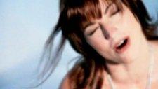 Gloria Estefan - Hold Me, Thrill Me, Kiss Me