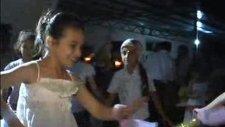 1-A Okuma Bayramı Kozan 2012 Romen-Çiçekçi Kız Gösterisi