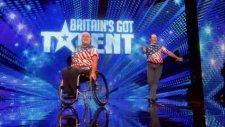 Tekerlekli Sandalyede Dans Eden Çift (Britain's Got Talent)