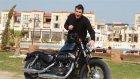 Altın Elbiseli Adam - Harley Davidson Sportster 48