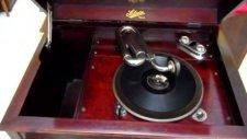 Antika Salon Gramofon