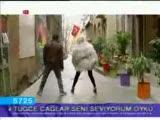 Kemal Doğulu Ft. Hande Yener Biyerde