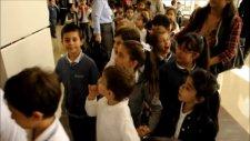 1000 Çocukla Yastık Savaşı Fabrika Sanat Tatlı Rüyalar