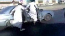 Çılgın Araplar ne yapıyor baksana )