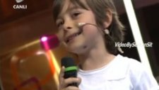 Emir Berke  ( Küçük Osman ) Nossa Nossa  4 Mayıs Beyaz Show 2012