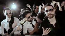 Oğuzhan Uğur Ft. Bora Öztoprak - Panpa - (Orijinal Video Klip) - (2012)