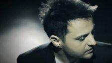 Özgür Yedievli - Tutmayın Beni - (Orijinal Video Klip) - (2012)