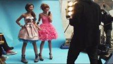 Watch Me Shake İt Up Music Video