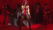 Rihanna - What_s My Name- (Saturday Night Live 2010)