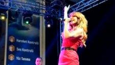 Hande Yener - Teşekkürler - (İstanbul Cevahir Taksiciler Günü Konseri) - (2012)