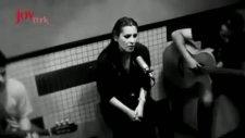 Funda Arar  - İstanbul İstanbul Olalı (Akustik) Yeni 2012