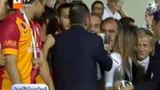 Süper Kupa G.Saraylı Futbolcuların Ellerinde