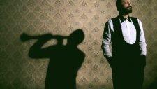 Hüsnü Şenlendirici - Böyle Ayrılık Olmaz (Yeni Klip 2012)