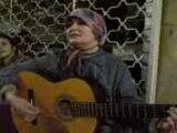 Beyoğlundaki Şarkıcı Kadın